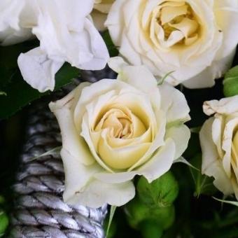 Gėlių pintinė – Gėlės į namus Vilniuje